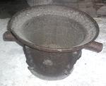 Pot de fer pour cheminée. Charente M.